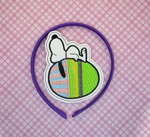 Snoopy on Egg Headband Slider Embroidery Design